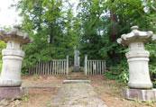 松平家墓所入口